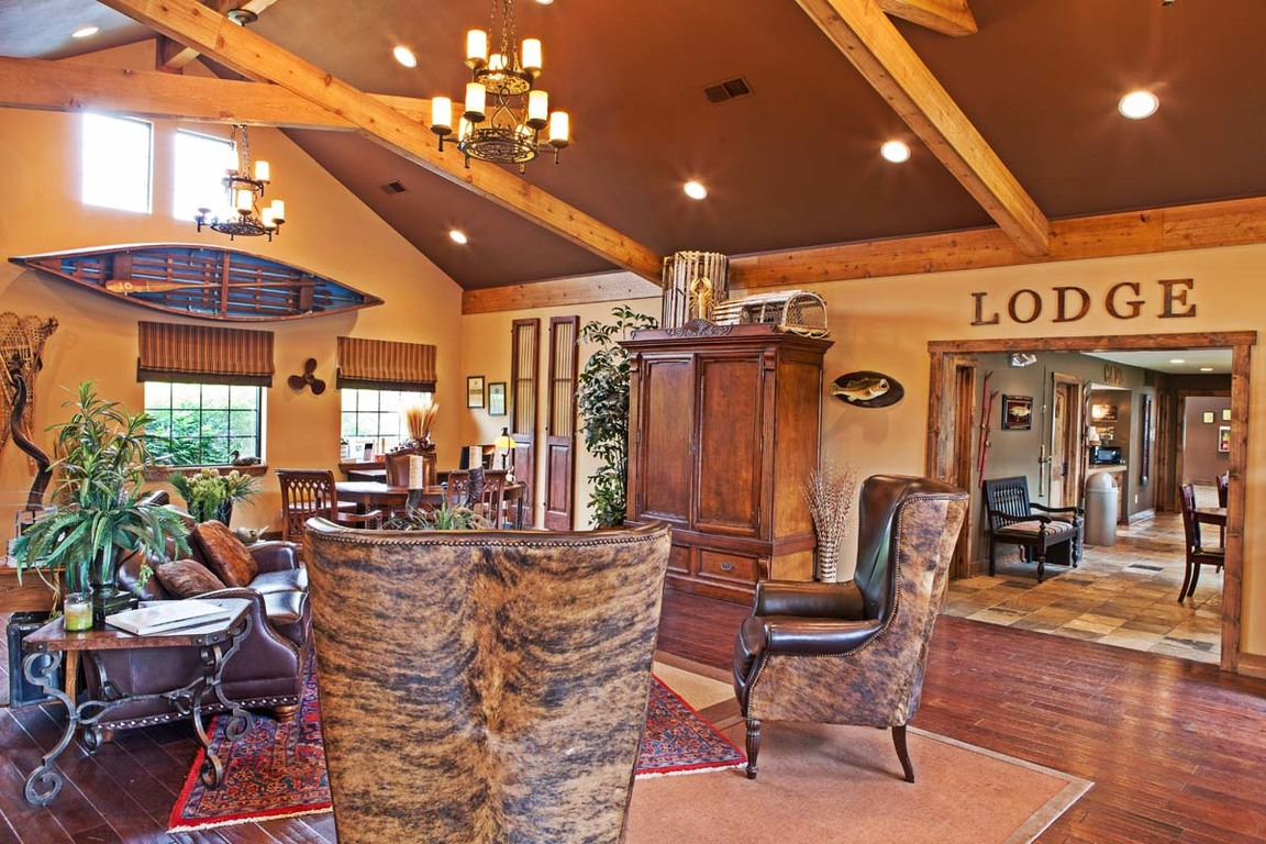 Indianapolis In Apartments The Lodge At Trails Edge